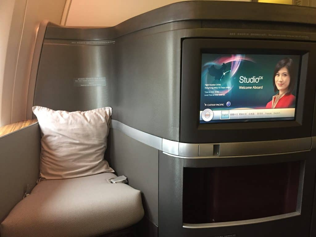 cathay pacific first class boeing 777 330er entertainmentsystem