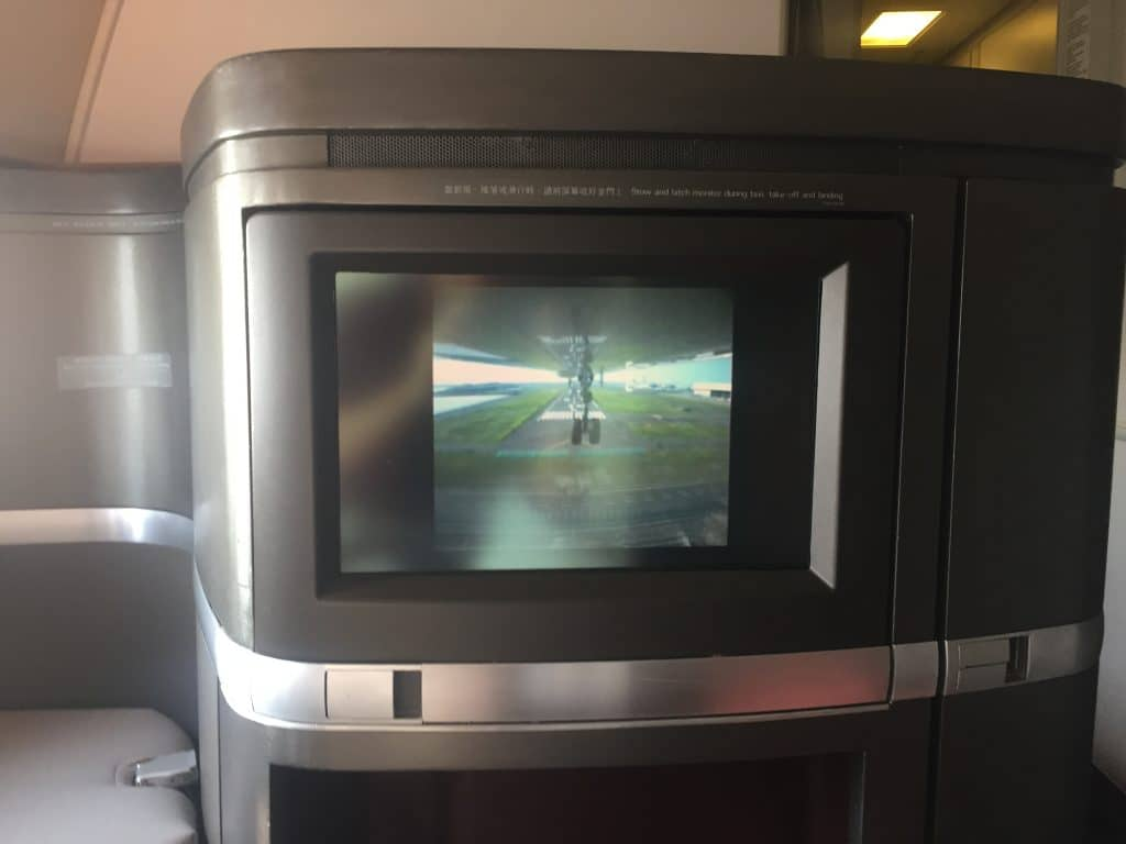 cathay pacific first class boeing 777 330er landeanflug 7