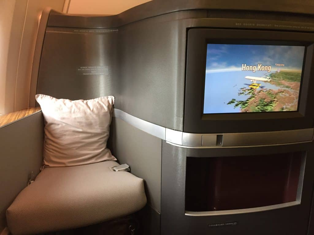 cathay pacific first class boeing 777 330er sitz 3