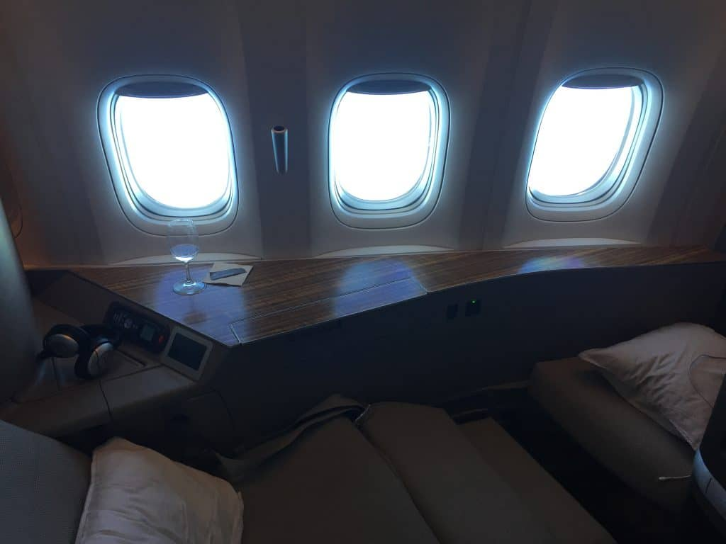 cathay pacific first class boeing 777 330er sitz 5