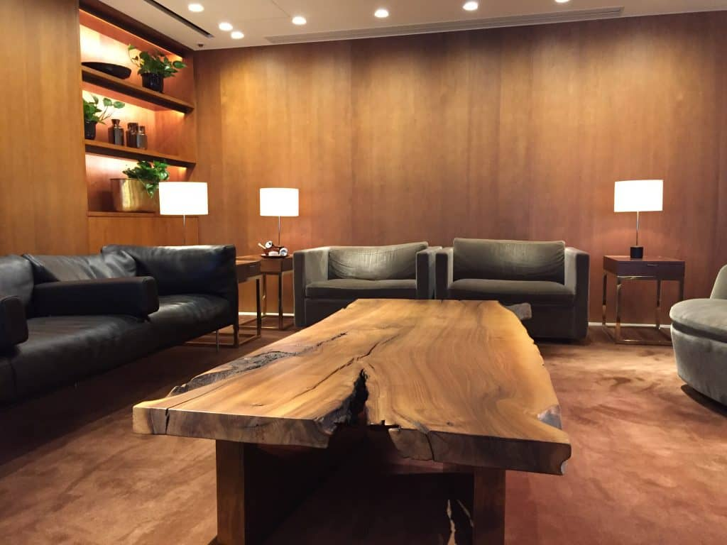 cathay pacific first class lounge the pier hongkong 13