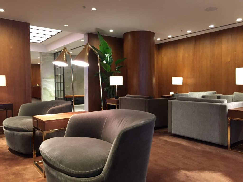 cathay pacific first class lounge the pier hongkong 14