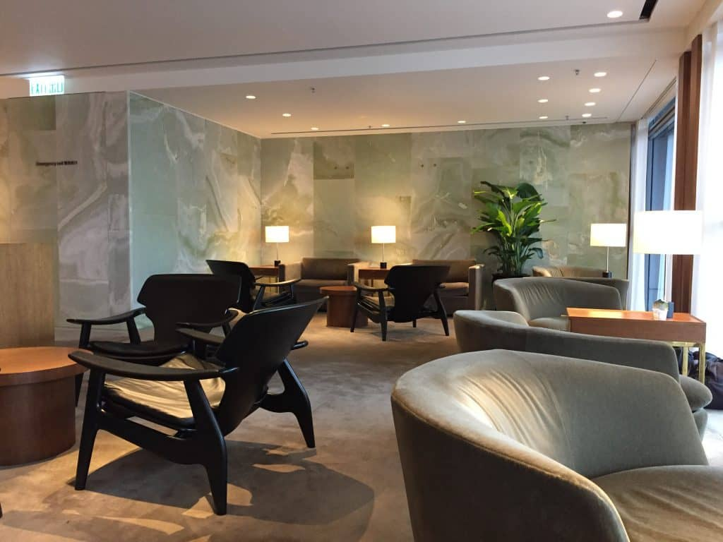 cathay pacific first class lounge the pier hongkong 32