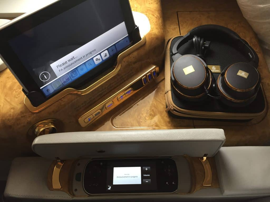 emirates first class a380 headset 3