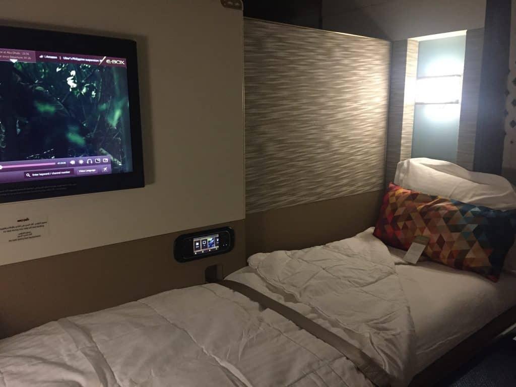 etihad first class apartment bett 1