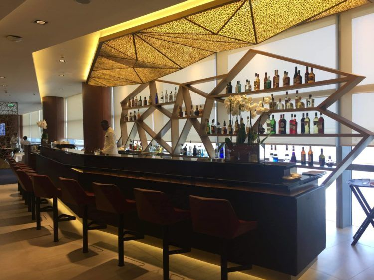 etihad first class lounge abu dhabi bar