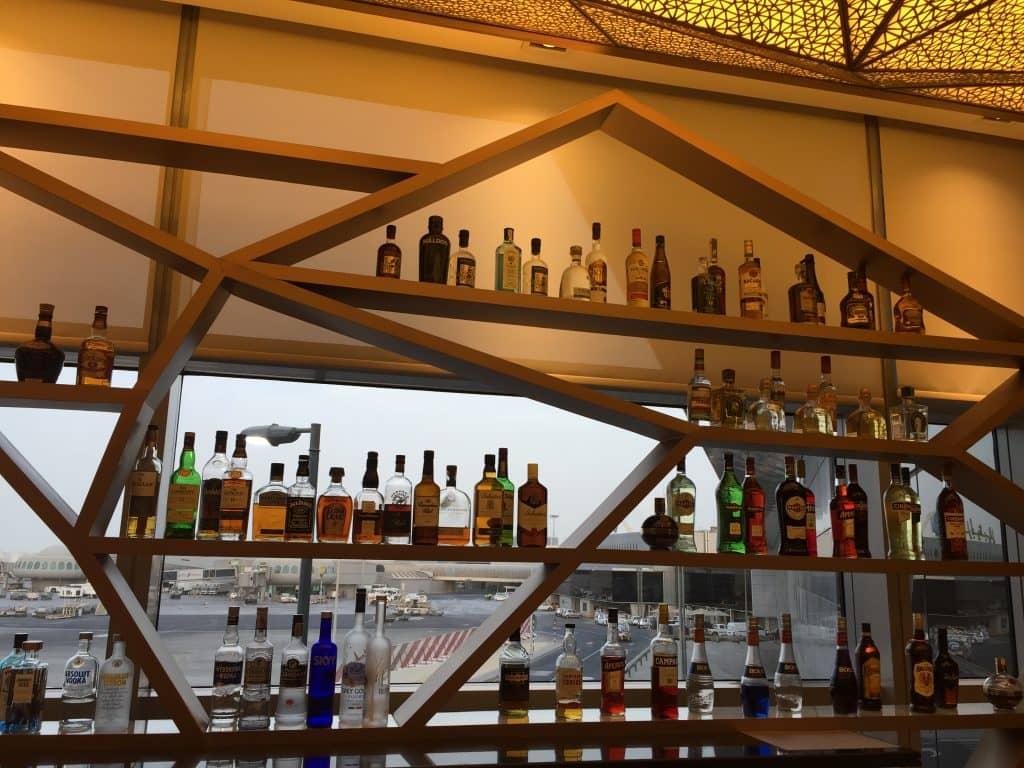 etihad first class lounge abu dhabi bar 2