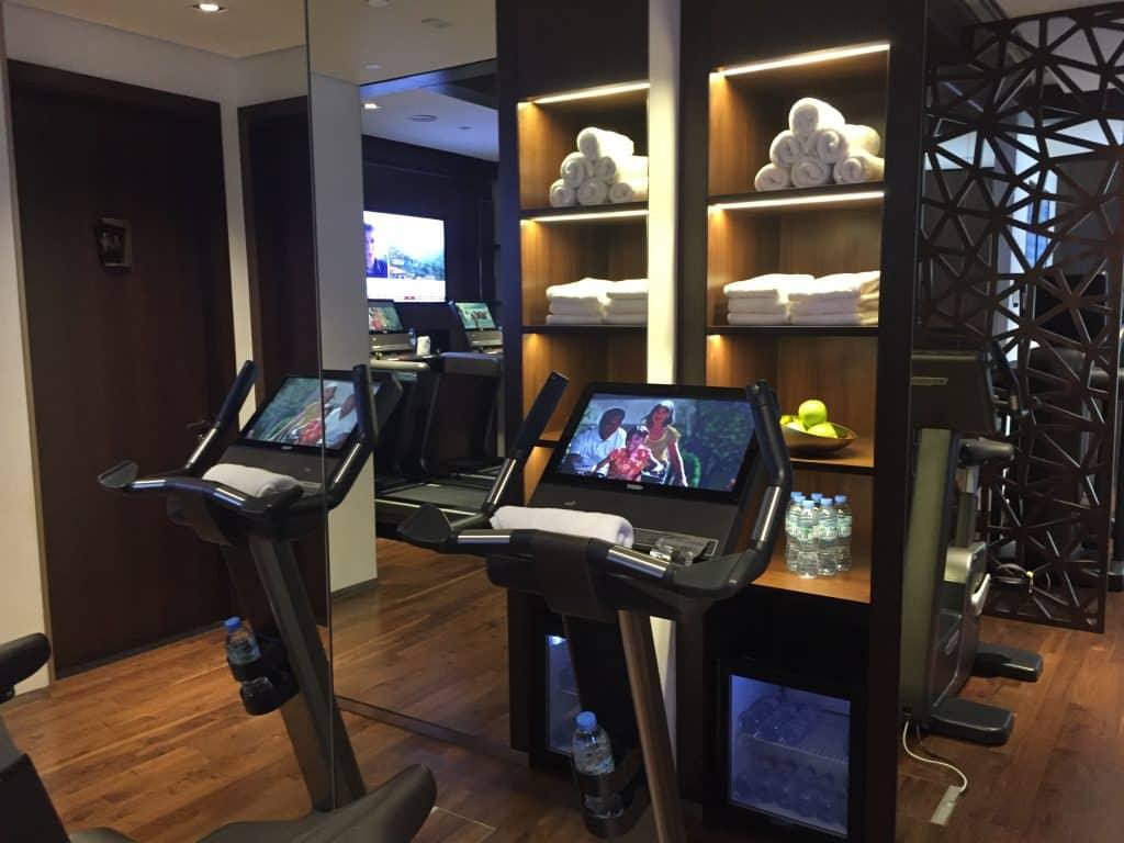 etihad first class lounge abu dhabi fitnessstudio 1
