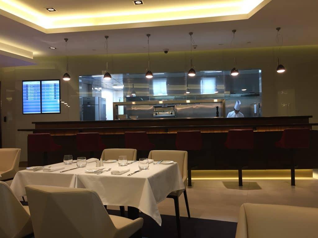 etihad first class lounge abu dhabi restaurant 2
