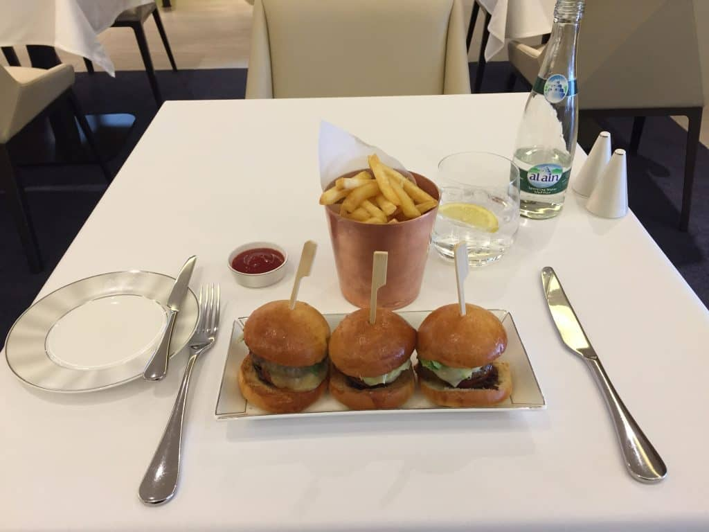 etihad first class lounge abu dhabi restaurant 4