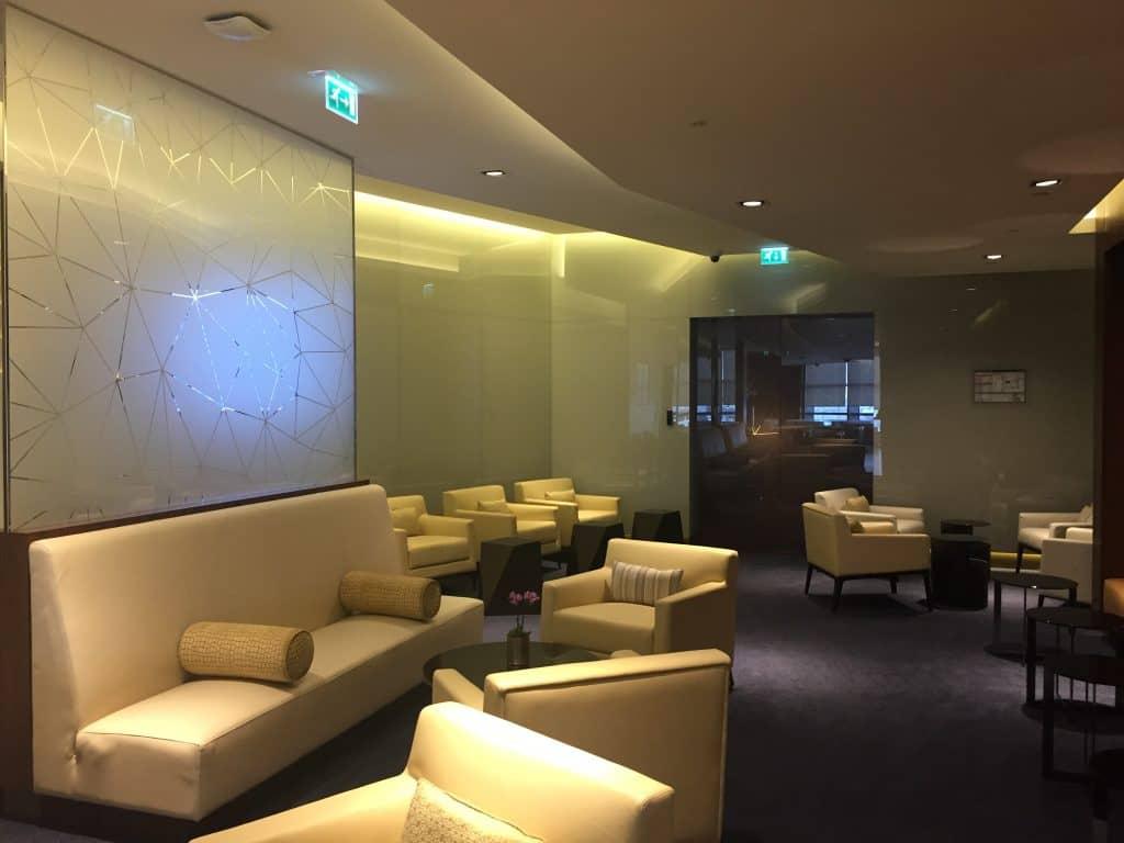 etihad first class lounge abu dhabi sitzgelegenheit 2
