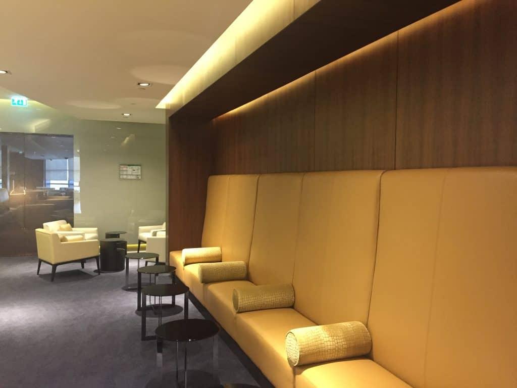 etihad first class lounge abu dhabi sitzgelegenheit 4