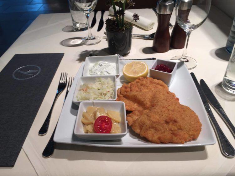 Lufthansa First Class Terminal Frankfurt Speisen