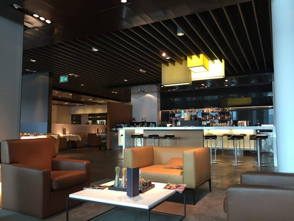 lufthansa first class terminal bar 2