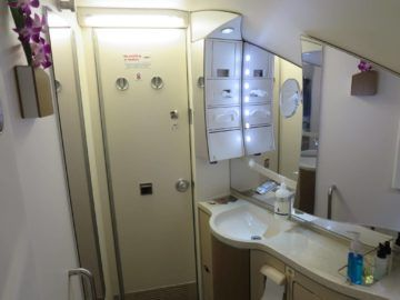 singapore airlines business class a380 bad 2