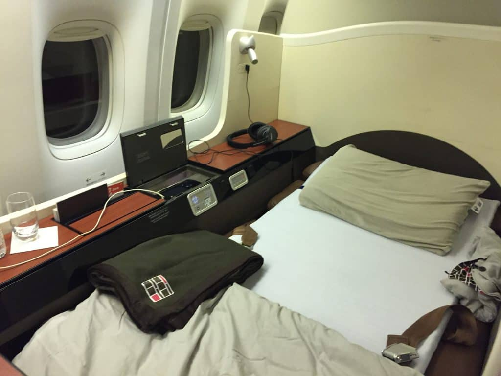 japan airlines first class boeing 777 bett 1