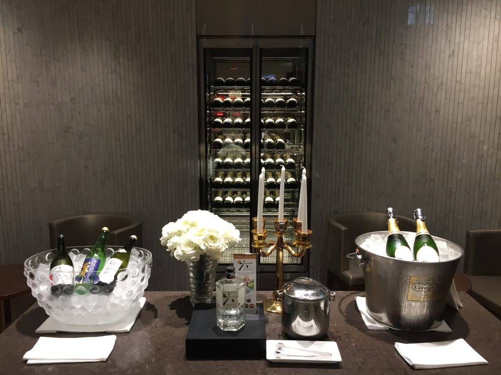 japan airlines first class lounge tokio haneda champagnerraum 1