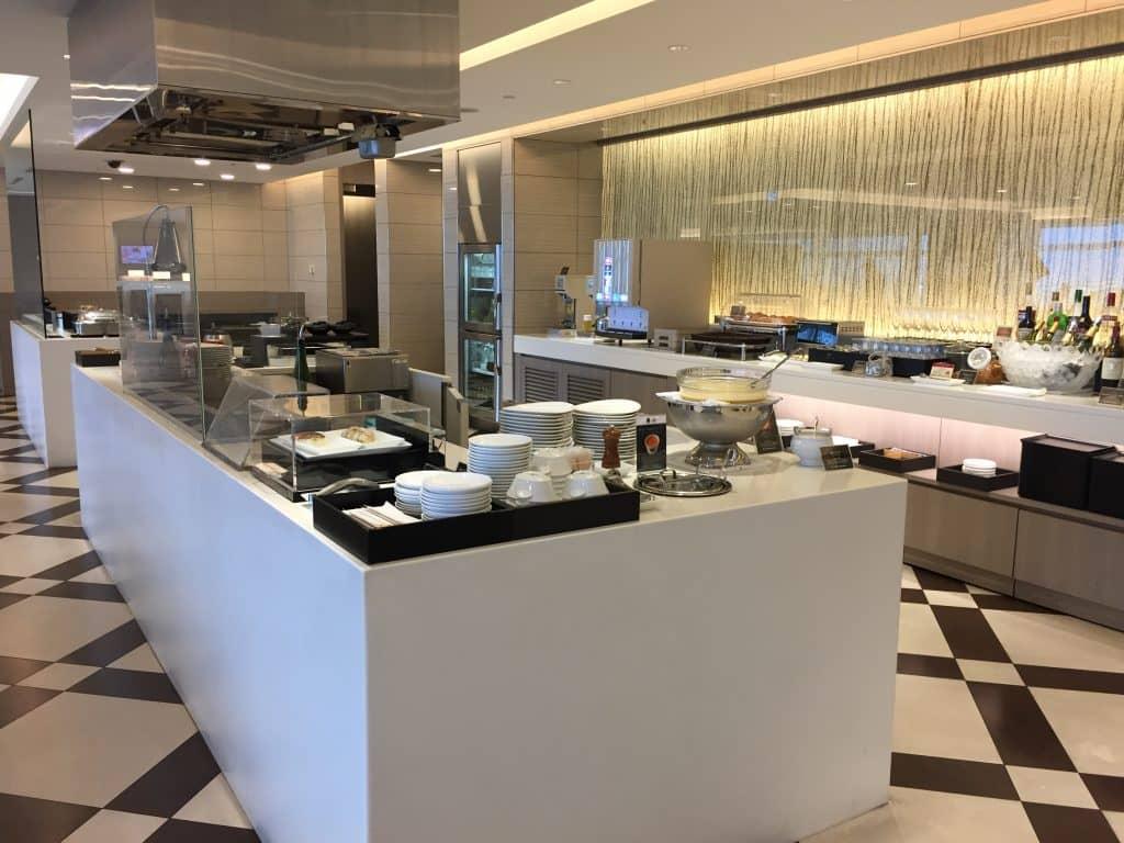 japan airlines first class lounge tokio haneda restaurant 1