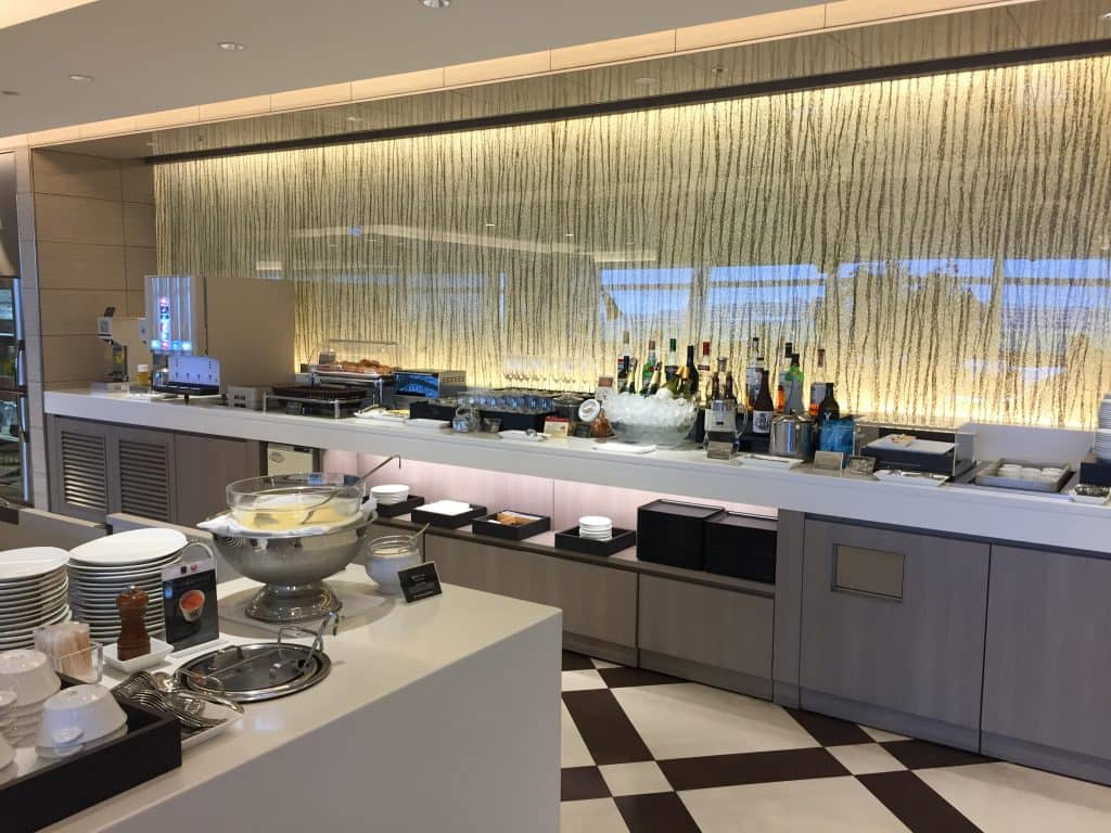 japan airlines first class lounge tokio haneda restaurant 2