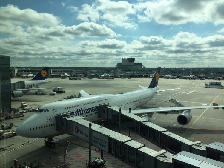 lufthansa first class boeing 747 8 gate