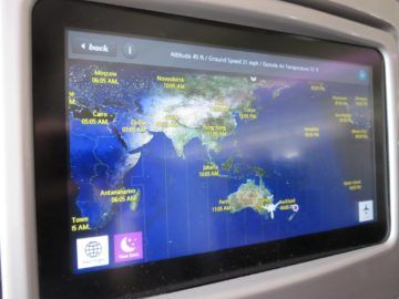 air new zealand business class boeing 777 200 entertainment flightshow 2