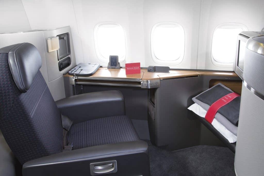 aircraft interiors aa777 first class seatup desk