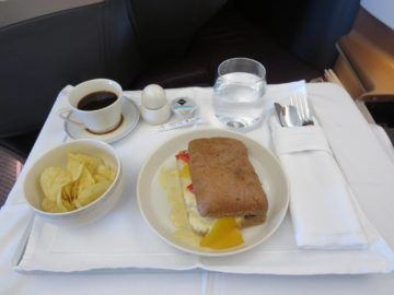 singapore airlines business class a350 essen snack