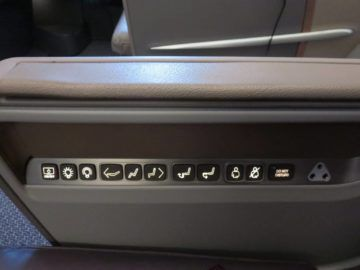 singapore airlines business class a350 sitz bedienelemente 1