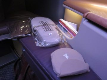 singapore airlines business class a350 slipper