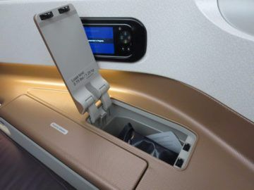singapore airlines business class a350 stauraum 1