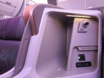 singapore airlines business class a350 stauraum 2