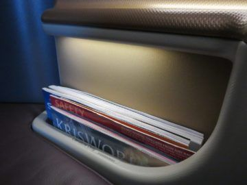 singapore airlines business class a350 stauraum 4