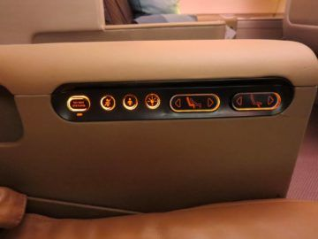 singapore airlines business class a380 bedienelemente 2