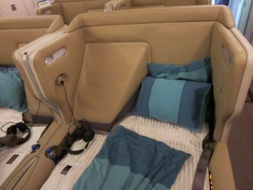 singapore airlines business class a380 bett 2