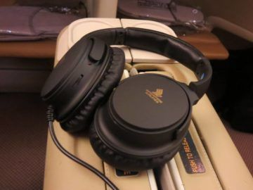 singapore airlines business class a380 entertainment kopfhorer