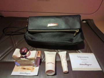 singapore airlines suites amenity kit damen