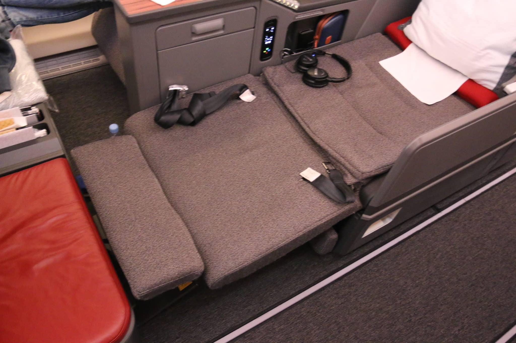 latam airlines business class a350 lie flat sitz