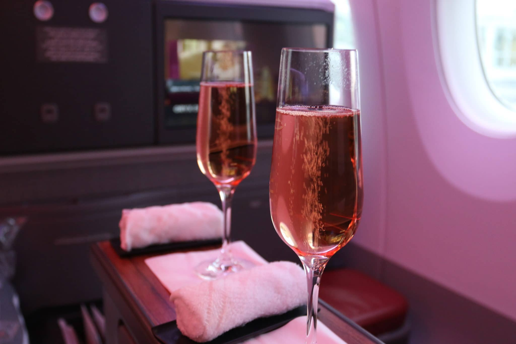 qatar airways business class a350 champagne rose