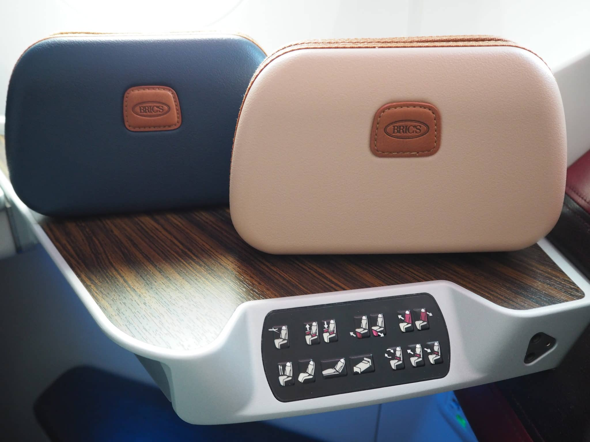 qatar airways business class b787 8 amenitykit