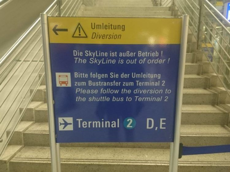 Sky Line Gesperrt Am Frankfurt Flughafen 4 3