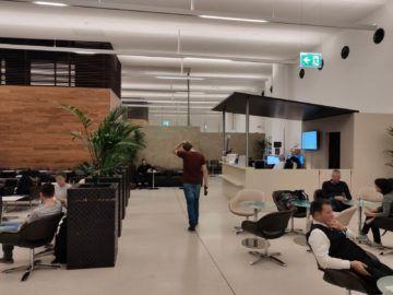 air lounge wien blick richtung ausgang
