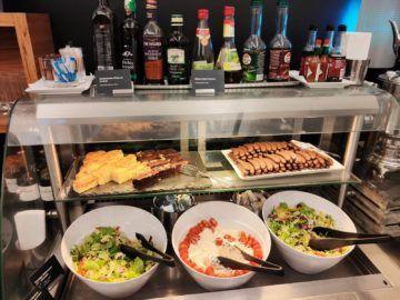 air lounge wien salate und kuchen