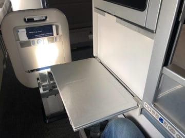 british airways business class boeing 747 tisch ausgeklappt