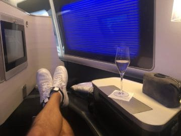 british airways first class boeing 777 fussablage