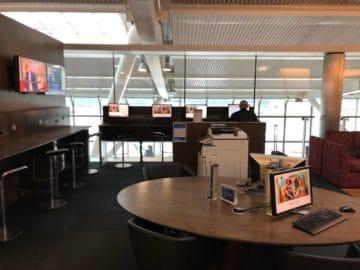 british airways galleries club lounge london heathrow terminal 5 b gates arbeitsbereich