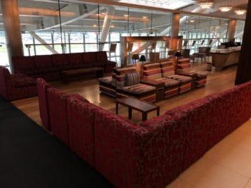 british airways galleries club lounge london heathrow terminal 5 b gates sitzbereich links von der lounge