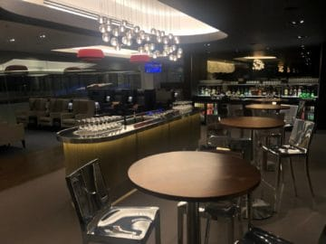 british airways lounge singapore blick getraenkebereich