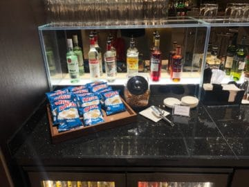 british airways lounge singapore hochprozentiger alkohol chips