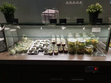 hugo junkers lounge duesseldorf buffet2