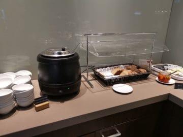 hugo junkers lounge duesseldorf buffet4